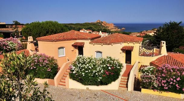 Lovely apartament with sea view and swimming pools - HouseTrip.fr