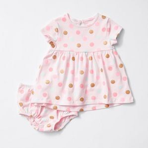 Our gorgeous short sleeve print dress set for baby offers stretch and comfort for all-day wear.All-over print dress.Keyhole with button closure on the...