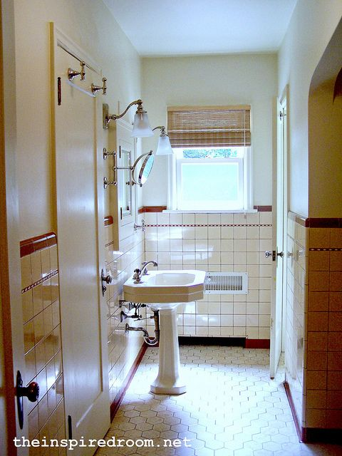 17 best images about country bathrooms on pinterest for Yankees bathroom decor