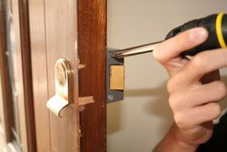 Locksmiths in Kingston is provides by Kings Security
