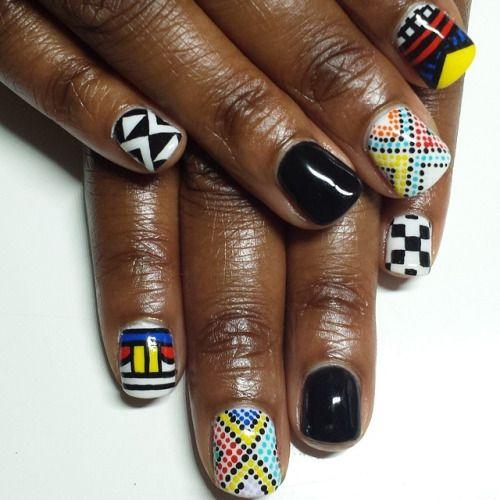 По пятницам мы носим узоры #Ндебеле на наш #ногти. #ногтей #расписанную узорами ##трайбл #naillife #купить гель лак для ногтей #ignails #elsalonsito