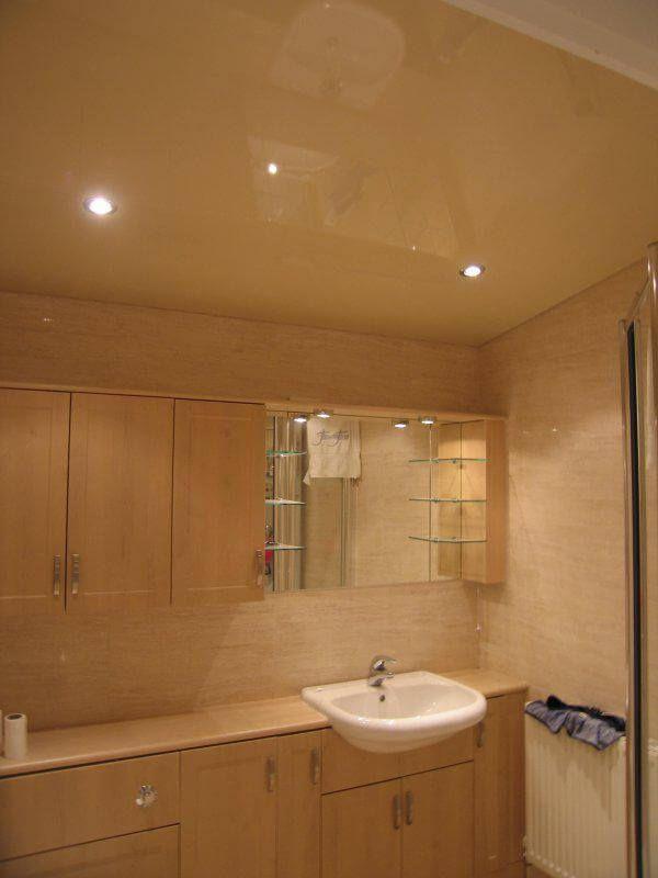 Натяжные потолки для ванной комнаты - цены с установкой в Москве