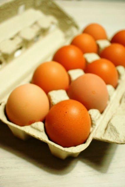 Organic eggs from Raakatori.  http://lempiruoka.blogspot.fi/2014/02/raakatori-ruokaa-lahes-kotiovelta.html