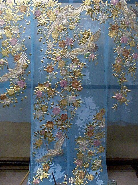 ブルーのオーガンジ:枝垂れ桜に鶴柄の色打掛