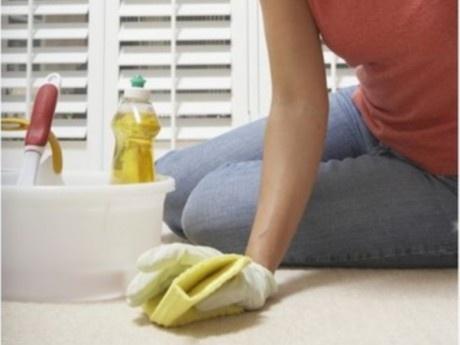 DIY: Απορρυπαντικό για να καθαρίσετε τα χαλιά σας