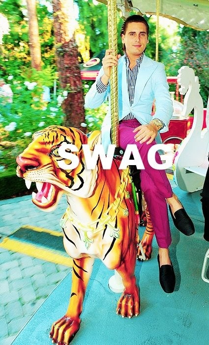 Scott Disick swag; I could totally wear that outfit.. Who told you you looked good enough to go out that day Scott.. They lied to you..