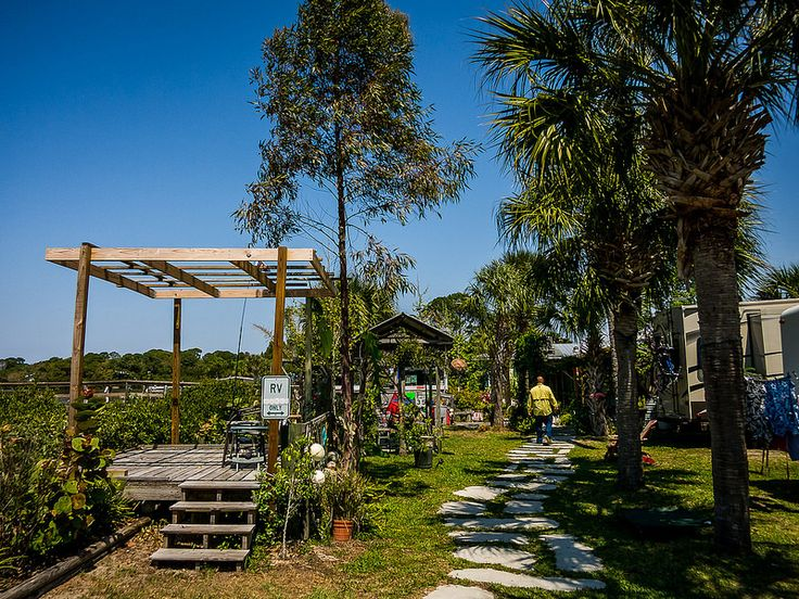 RV Park At The Low Key Hideaway In Cedar Florida