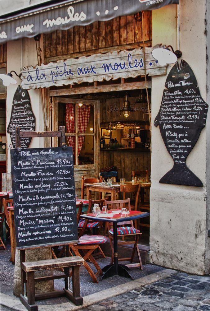 Pêche aux moules, Lyon, France