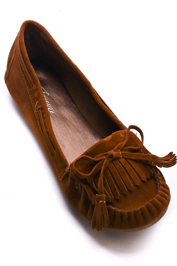 omg i've been looking for this mocassin for a while. have one in black but i've been wanting to buy new ones in different color.