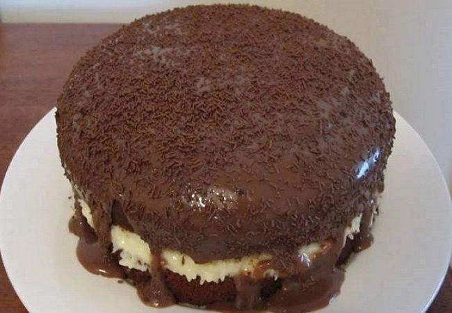 Aprenda com essa receita como fazer Bolo Delicia de Prestigio, fácil e rápido, lindo e delicioso, anote a receita de Bolo Delicia de Prestigio Ingredientes Bolo: 3 ovos 1/2 xícara (chá) de óleo 1 xícara (chá) de leite 1 xícara (chá) de açúcar 1 xícara (chá) de chocolate ou achocolatado.(O chocolate em pó deixa mais …