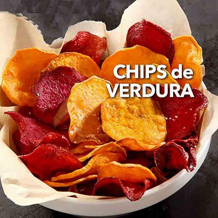 Hay varias formas de hacer chips de verduras. Nuestra favorita es al horno pero se pueden freír, si lo prefieres.