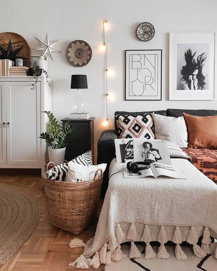"""Monochrome 