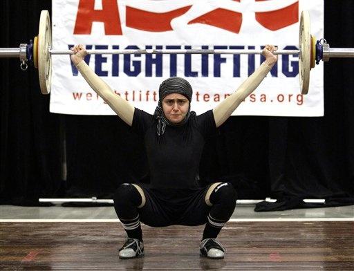 Kulsoom Abdullah - Muslim weightlifter