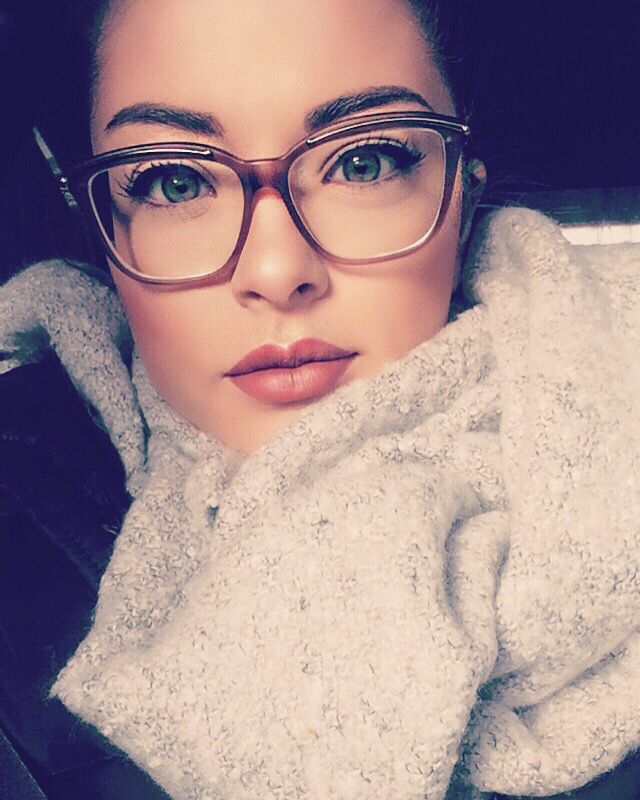 Eyeglasses Frame To Look Younger : Best 25+ Makeup with glasses ideas on Pinterest