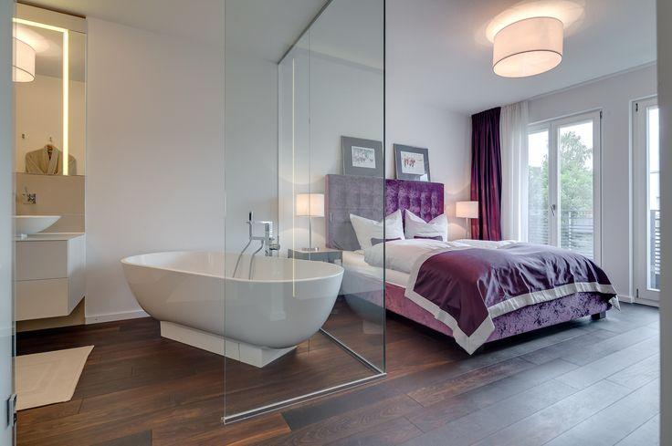 Dusche Barrierefrei Selber Bauen : Masterbedroom samt exklusivem ensuite Badezimmer mit Wanne und