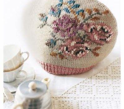 """tea cosy-----"""" cheat's fairisle"""" how to knit...."""