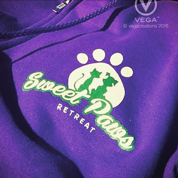 #SweetPawsRetreat would love to look after your #pet while your traveling #logo and #apparel #design by #vegacreations