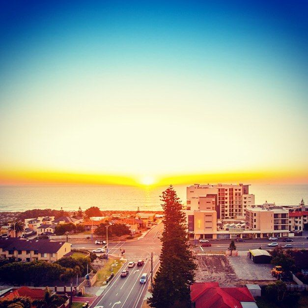 BEAUTIFUL COASTAL SUNSET VIEW FROM SUNDANCE APARTMENTS  Enjoy the pristine Scarborough beach, amazing entertainment precinct just 400m away & the resort lifestyle, what more can you ask for? #developwise #perthisbeautiful #scarborough #perthapartments #beach #beachlifestyle #sunset #psaros #scarboroughbeach www.developwise.com.au/sundance