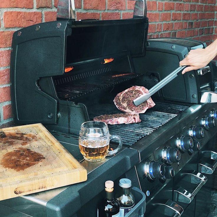 Wtorkowe grillowanie. Czy grillujecie również w tygodniu? #broilking #broilkingpl #broilkingpolska #bbq #grill #grillgazowy #stek #imperialxlblack #imperial