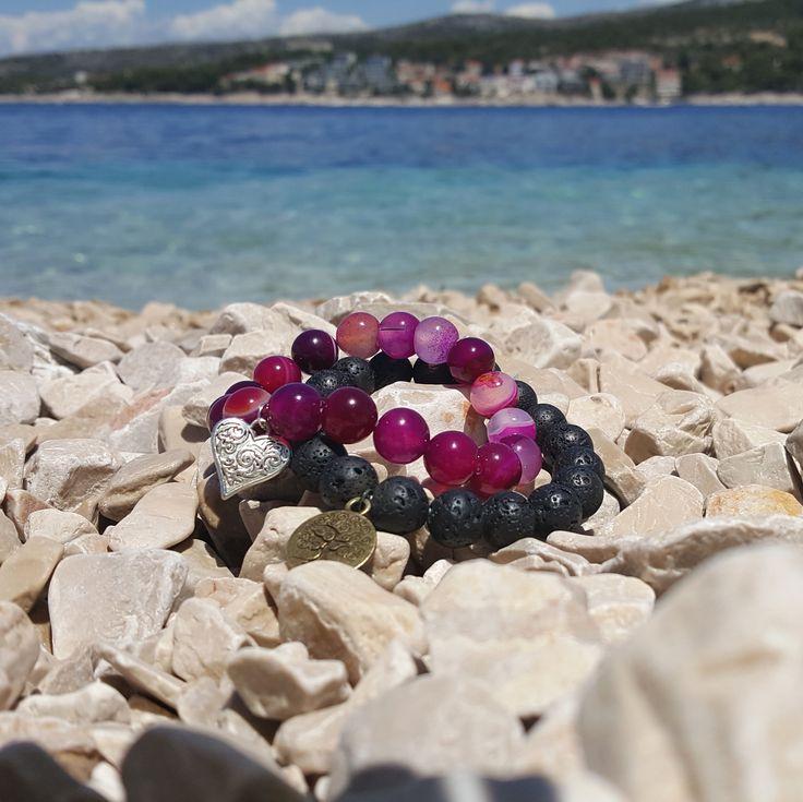Krásné náramky z lávy a růžového achátu. Láva, achát, srdce a strom života na www.prochazkastylem.cz
