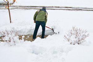 3 hacks to make scooping snow easier