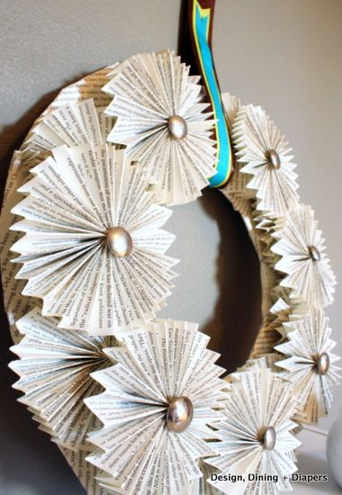 book page wreath, diy wreath, paper projects