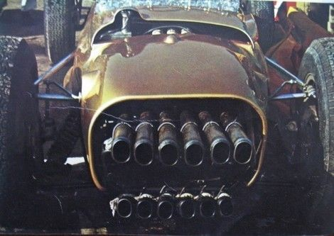 The tailpipes of the RA270