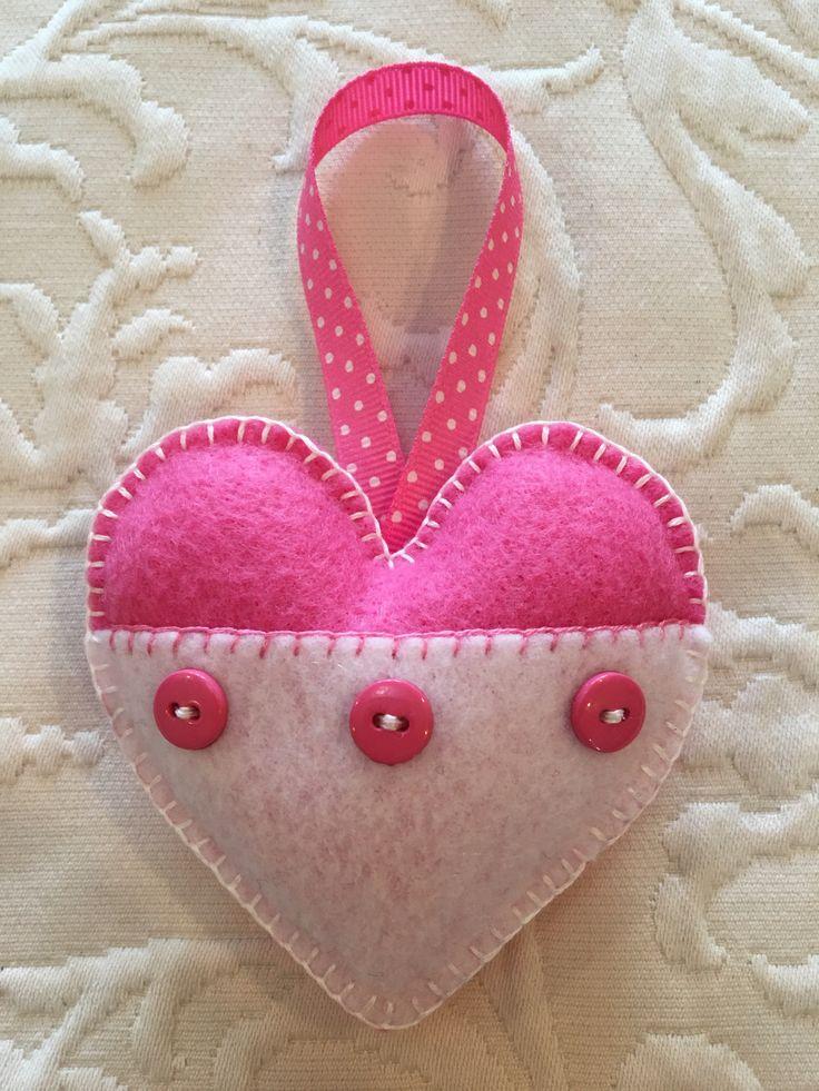 Felt crafts, felt ornament, Valentine, heart, made by Janis