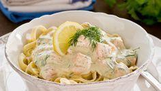 Nykokt pasta med fräsch sås av gravad lax, citron och crème fraiche. Klart på endast 15 minuter!