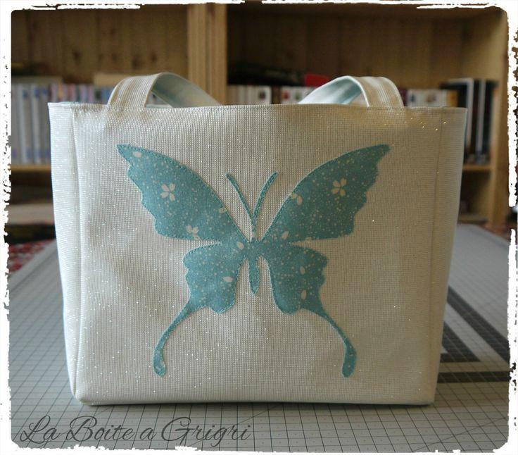 Sac fantasie, papillon, blanc à paillettes et bleu turquoise : Sacs à main par la-boite-a-grigri