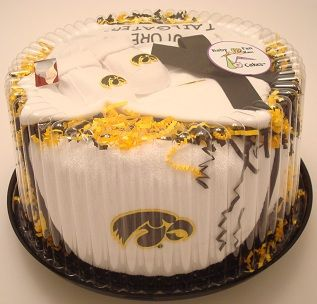 Score big points at the next baby shower with our Iowa Hawkeyes Baby Fan Cake gift set by Future Tailgater, $49.99