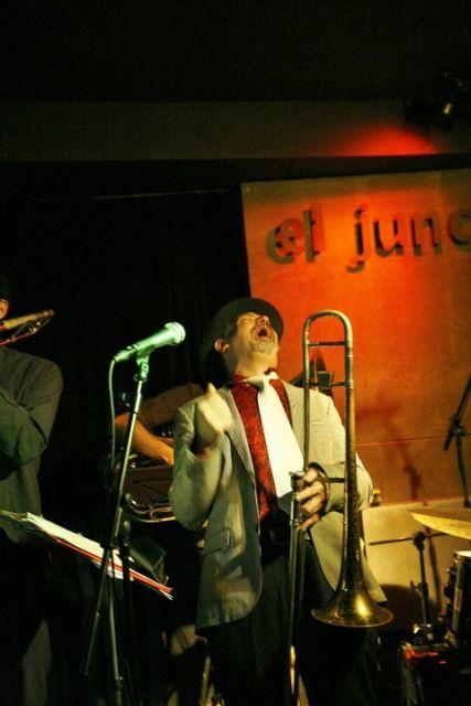 El Junco.NORMAN HOGUE & THE IBM (Blues Swing) + DJ CARLITO GROOVE 9 € con copa. 23:30