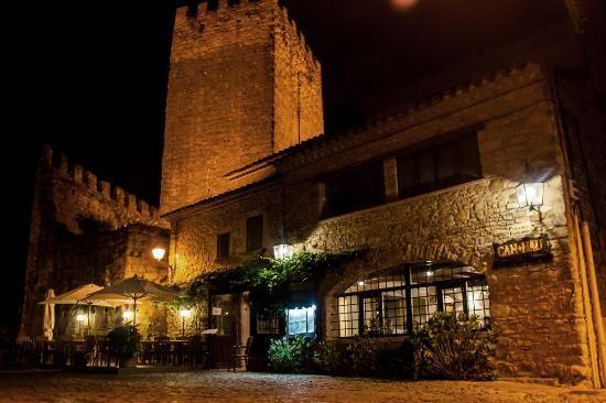 peratallada spain | Peratallada, Spain: Restaurant Can Nau de nit