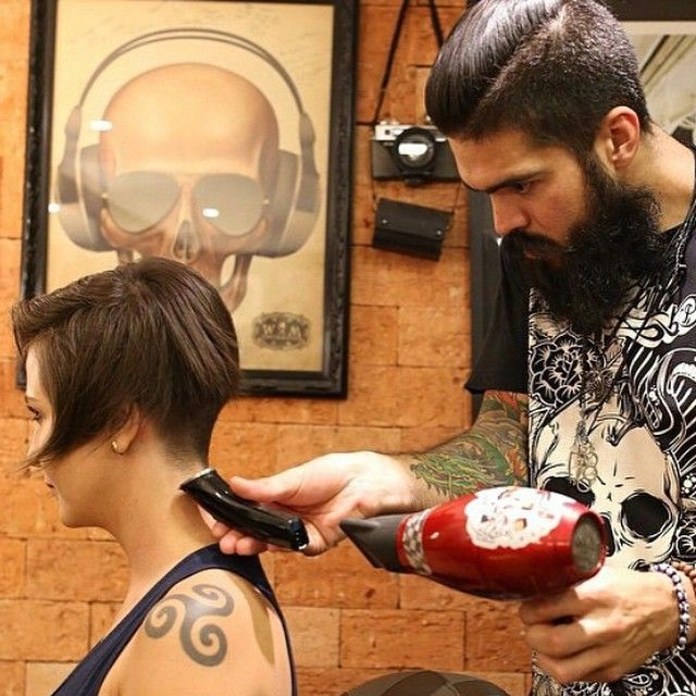 Mens Barber Shops Do Great Fades And Nape Buzz Styles