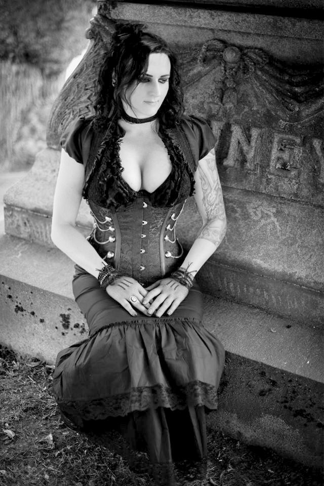 Gothic, Cemetery, Gothic Beauty, Gothic Woman | My Gothic ...