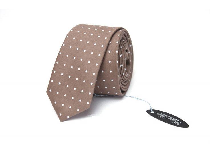 Hnědá pastelová slim kravata s puntíky