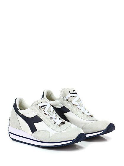 DIADORA Heritage - Sneakers - Donna - Sneaker in tessuto e camoscio effetto vintage con suola in gomma. Tacco 30, platform 10 con battuta 20. - WHITE\BLU - € 165.00