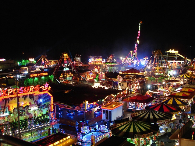 Hull Fair - one of Europe's largest travelling fairs which started in Hull in 1278, via Flickr