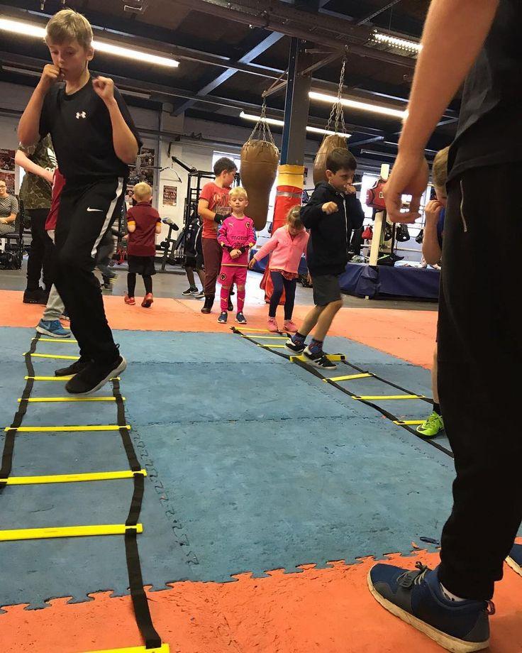 Kids #boxing class 6pm-8pm at #WildStar #Boxing #Gym Unit 6 Middlemore Lane West #Aldridge WS9 8BG #Fitness #confidence #discipline #Teamwork @leesanders7 http://misstagram.com/ipost/1562906981319102361/?code=BWwj55ugM-Z