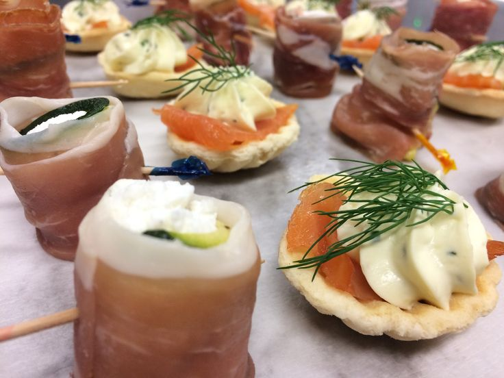 1000 ideas about wedding canapes on pinterest canapes for Canape para coctel