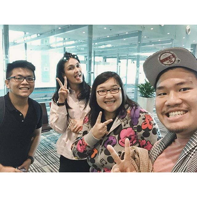 Meet lunamaya at changi airport