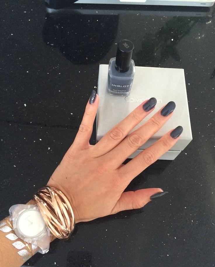 Grijze nagellak en Calvin Klein sieraden http://phoenixavalon.com/grijze-nagellak-en-calvin-klein-sieraden/