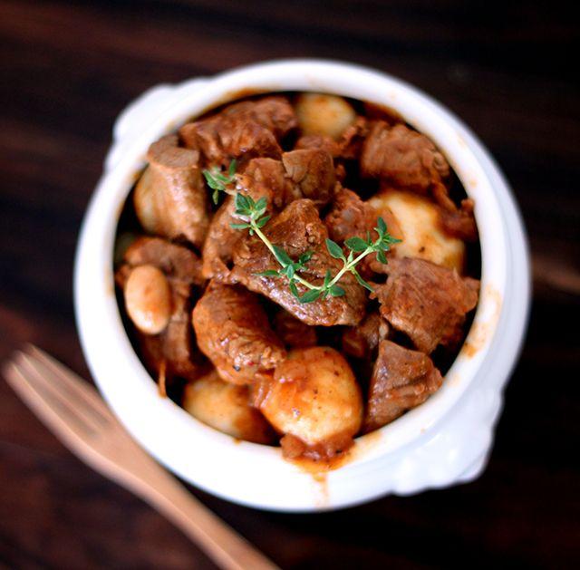 Receita: Goulash com Nhoque de Batata