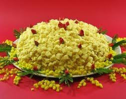 """Torta Mimosa per la Festa delle Donne  """"Mimosa cake"""" for the Woman's Day"""