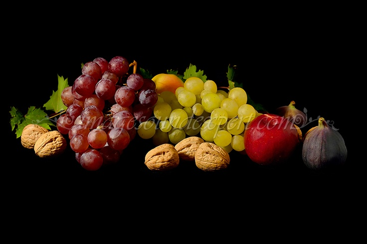 Fotografie produs - fructe de toamna / Product Photo - fruit of autumn / Product Photo - Obst im Herbst / Photo du produit - fruit de l'automne  (struguri, smochine, nuci, mere, grapes, figs, nuts, apples, trauben, feigen, nusse, apfel, raisin, figues, noix, pommes)