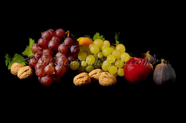 Fotografie produs - fructe de toamna / Product Photo - fruit of autumn / Product Photo - Obst im Herbst / Photo du produit - fruit de l'automne  (struguri, smochine, nuci, mere, grapes, figs, nuts, apples, trauben, feigen, nusse, apfel, raisin, figues, noix, pommes)