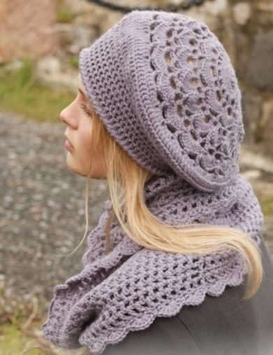 вязаный ажурный берет и шарф-хомут крючком
