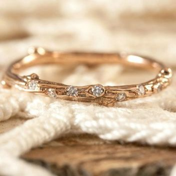 How Your Guy Can Propose If He Doesn?t Know Your Taste: 12 Placeholder Rings