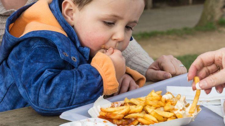 Chyby rodičov vo výžive: Viete, ktoré potraviny by sa do 3 rokov v strave dieťaťa nemali nachádzať? | Najmama.sk