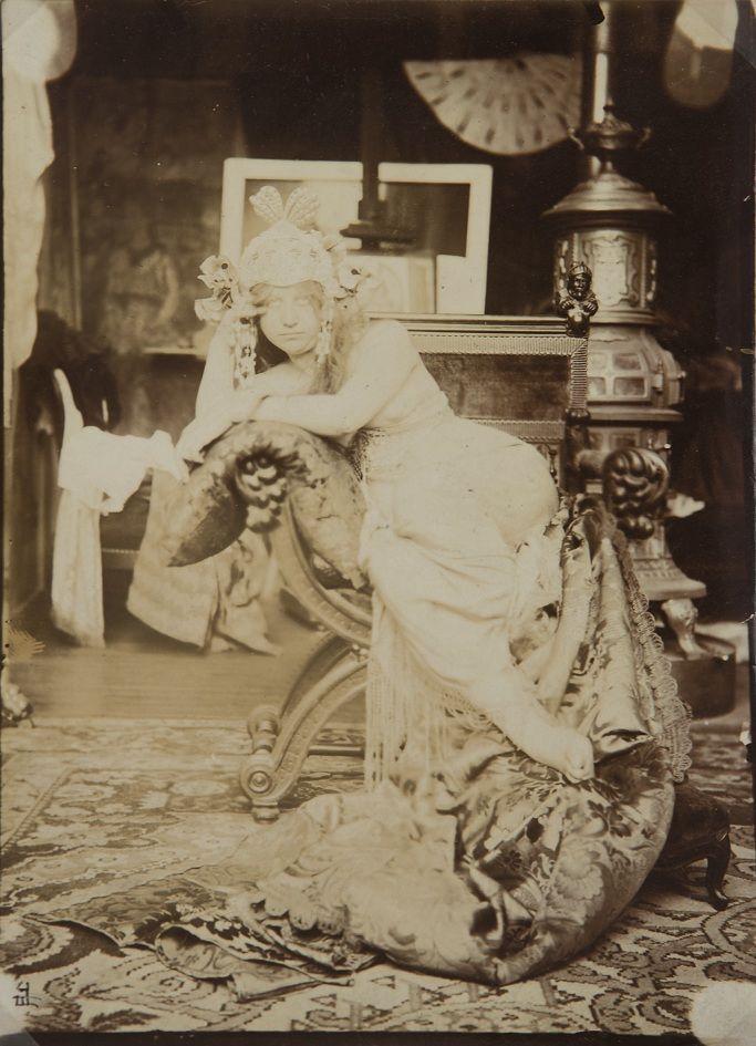 Alphonse Marie #Mucha, Mucha's Model 1899